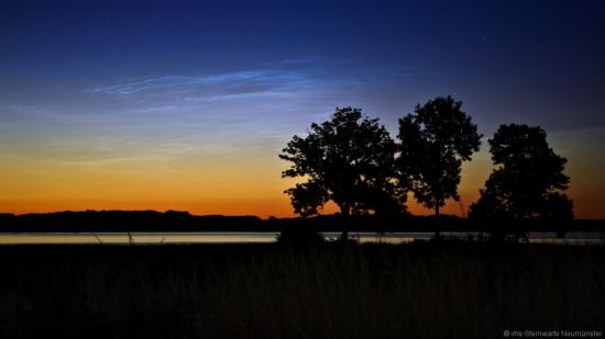 leuchtende Nachtwolken an der Schlei