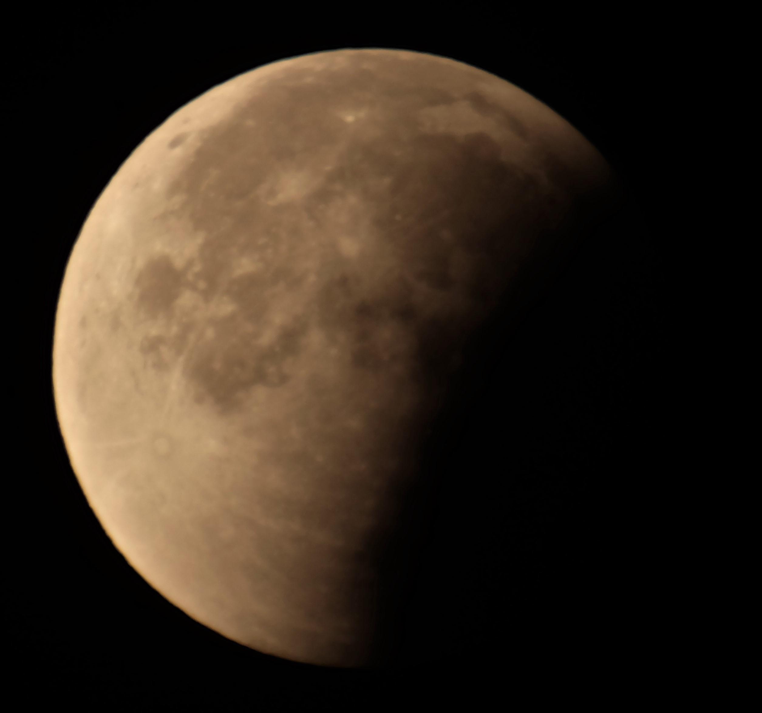 Partielle Phase der totalen Mondfinsterniss am 28.09.2015