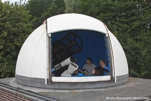 Die Kuppel der Sternwarte Lübeck mit dem neuen 20 Zoll Teleskop